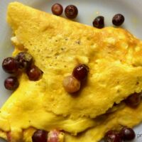 blueberries and sweet cream omelette
