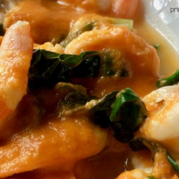 Spicy Shrimp Soup with Roasted Red Bell Pepper