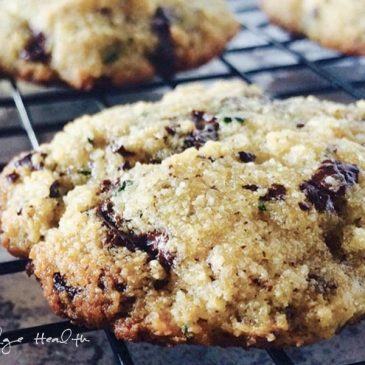 Ketogenic Chocolate Chip Cookies