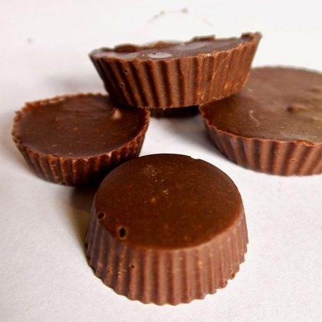 keteogenic chocolate peanut butter cups group