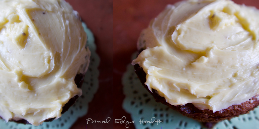 vanilla keto cupcakes featured