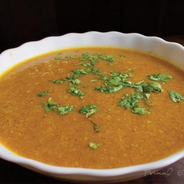 Coconut Cream of Pumpkin Curry Soup feat image