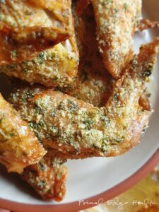 herb crusted keto chicken wings close