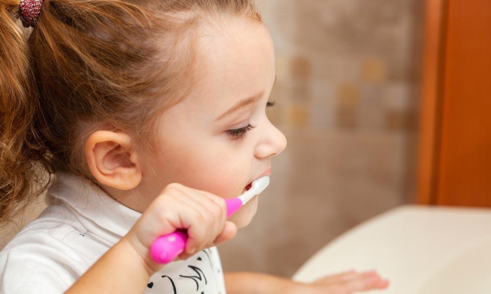 Homemade Toothpaste Recipe (Safe for